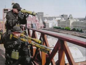 俄胜利日阅兵看不见的狙击手 网友:别打偏了啊