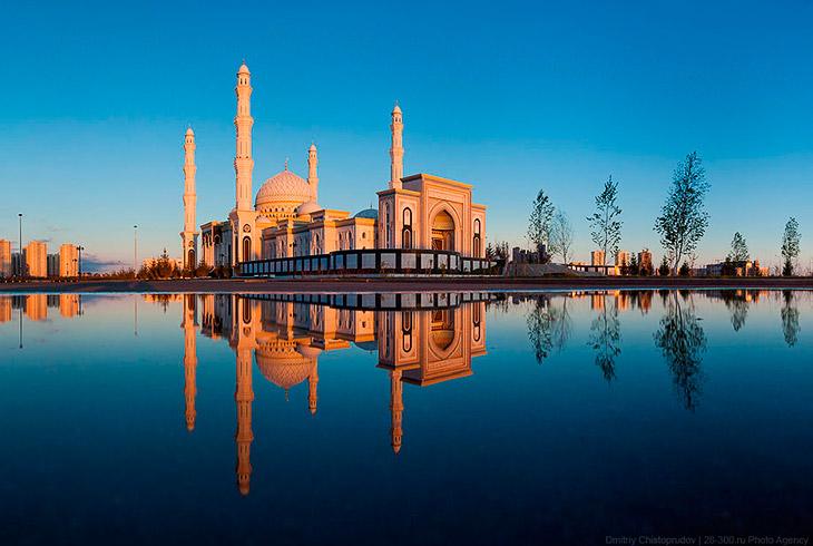 带你走进 位于哈萨克斯坦首都阿斯塔纳的中亚最大清真寺