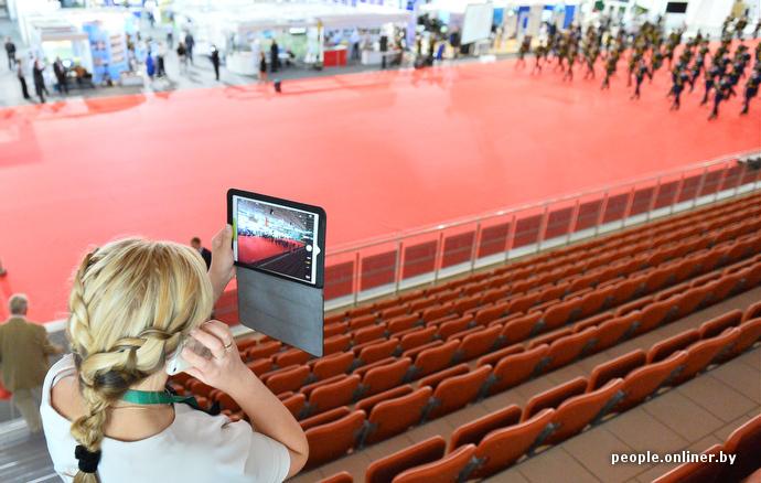 美女与兵器,直击白俄罗斯2014年国际武器展(一)