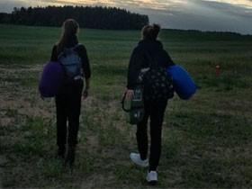 战斗民族高中女生徒步从明斯克走到莫斯科