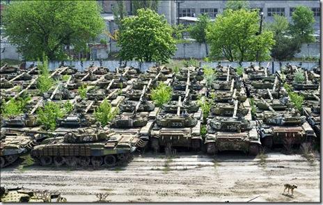 震撼!乌克兰哈尔科夫的坦克坟场