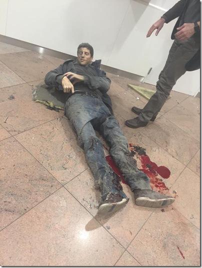 """俄网络上有关""""欧盟总部地铁爆炸""""的评论和照片"""