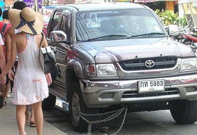 俄罗斯网友谈泰国 拖鞋排队简直是杰作